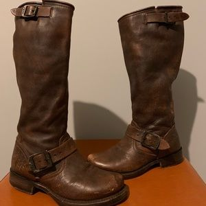 Tall brown FRYE slouch Engineer boots — like new!